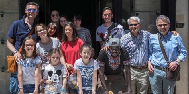 OLTRE 800 PASTI DISTRIBUITI DURANTE LA FESTA PER I BISOGNOSI