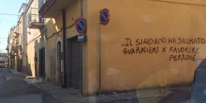 SUI MURI DI SANTERAMO NUOVE ACCUSE AL SINDACO