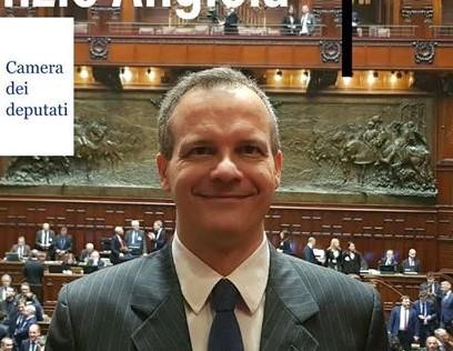 DALL' ONOREVOLE NUNZIO ANGIOLA BUONA PASQUA