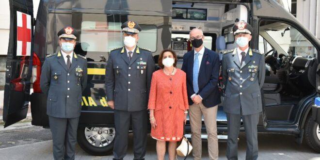VISITA  DEL  COMANDANTE  INTERREGIONALE  DELL'ITALIA  MERIDIONALE  DELLA  GUARDIA  DI  FINANZA,  GENERALE  DI  CORPO  D'ARMATA  IGNAZIO  GIBILARO,  AL  COMANDO  REGIONALE PUGLIA.